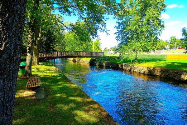 Goeres_Park_Foot_Bridge_-_panoramio